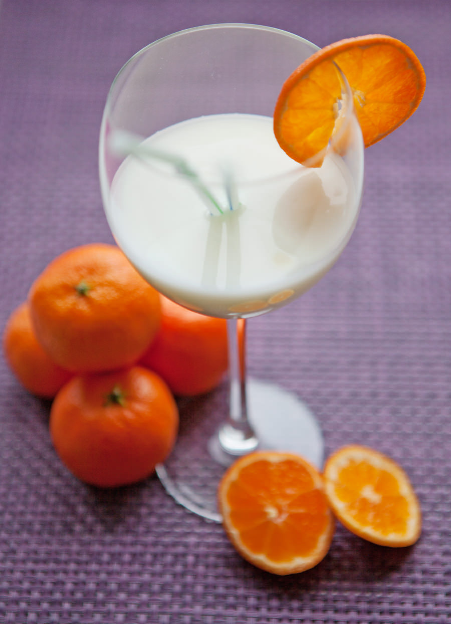 fotografia kulinarna malibu z mlekiem