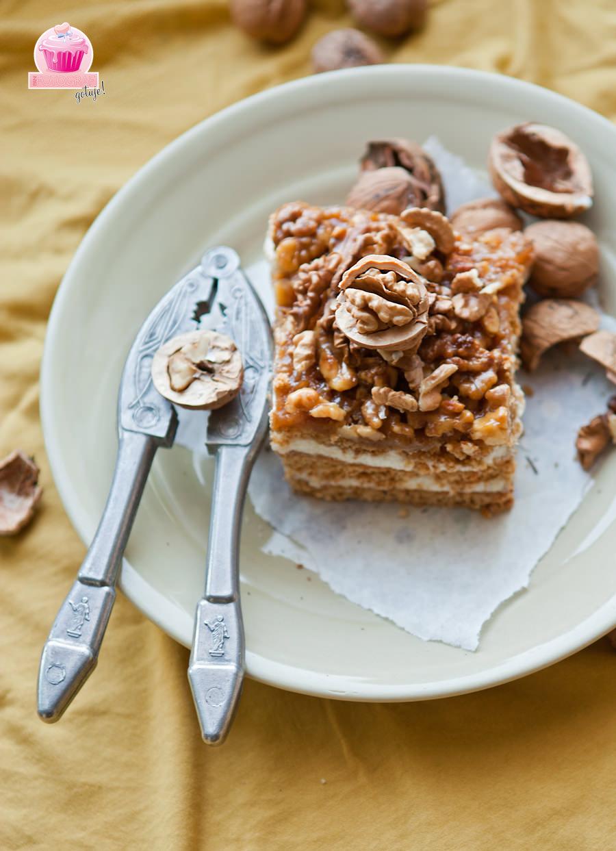 zdjęcie ciasta orzechowego