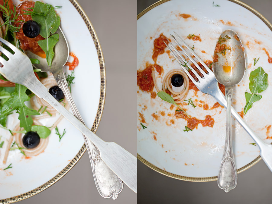 zdjęcie kulinarne spaghetti z tuńczykiem i pomidorami