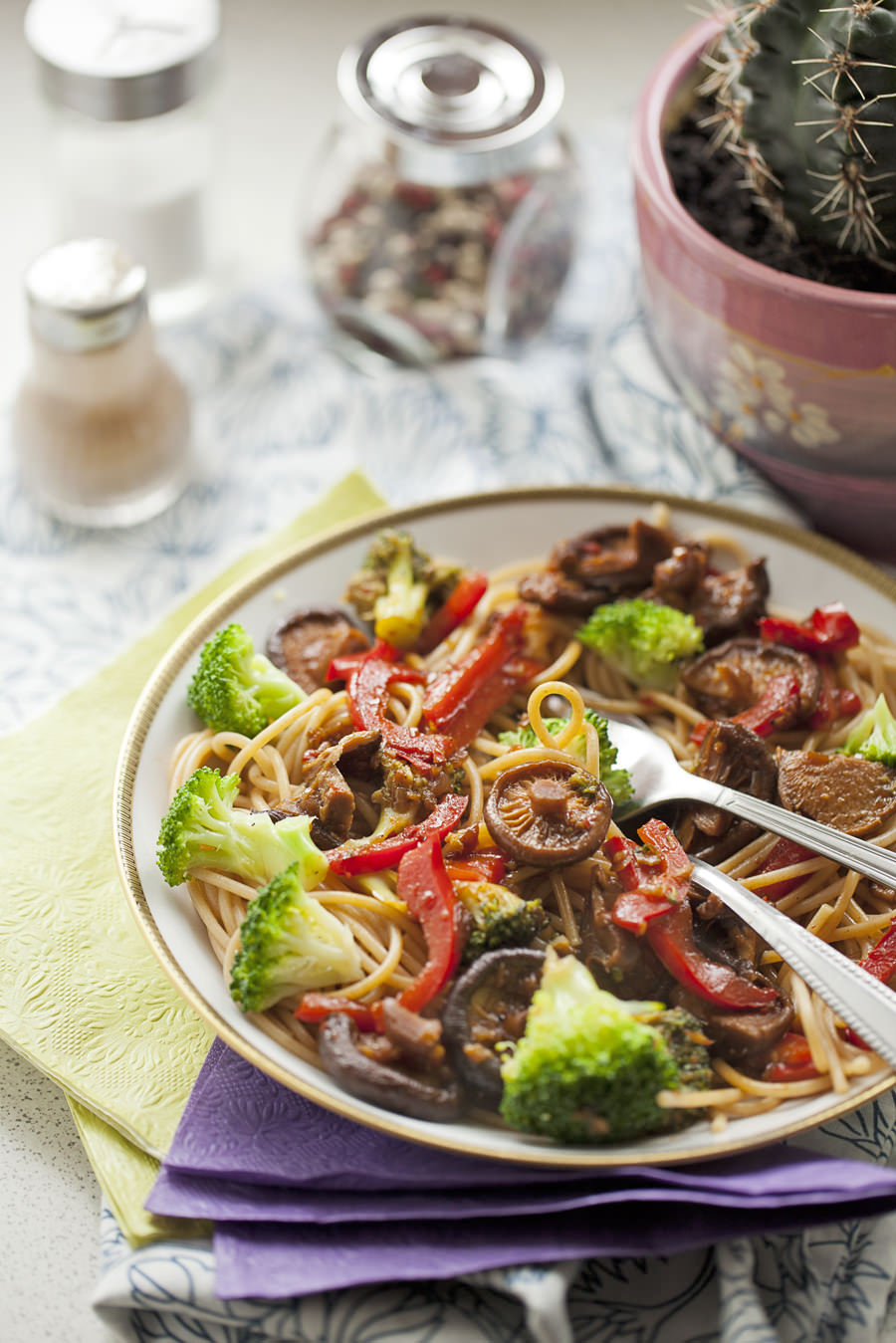 makaron z grzybami shiitake